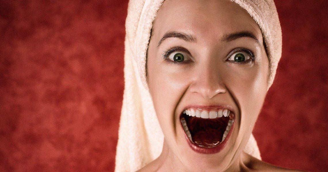 Hollywoodzki uśmiech? Kilka sposobów na białe zęby