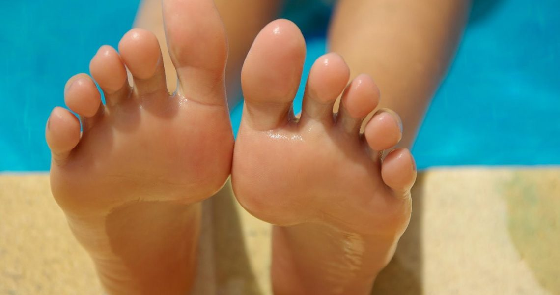 Jak zadbać o piękne stopy na lato?